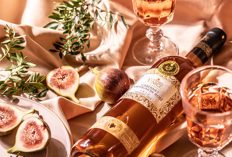 photography slovenske vinice wine foodstyling